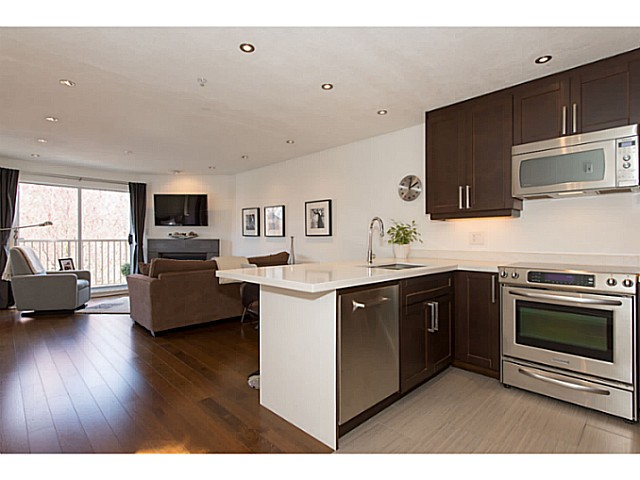 "Photo 8: 418 1820 W 3RD Avenue in Vancouver: Kitsilano Condo for sale in ""Monterey"" (Vancouver West)  : MLS(r) # V1057027"