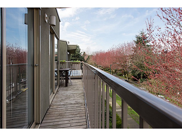 "Photo 14: 418 1820 W 3RD Avenue in Vancouver: Kitsilano Condo for sale in ""Monterey"" (Vancouver West)  : MLS(r) # V1057027"