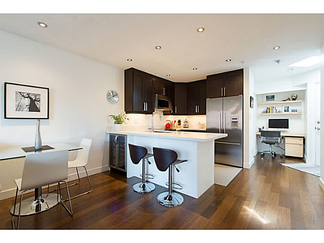 "Photo 5: 418 1820 W 3RD Avenue in Vancouver: Kitsilano Condo for sale in ""Monterey"" (Vancouver West)  : MLS(r) # V1057027"