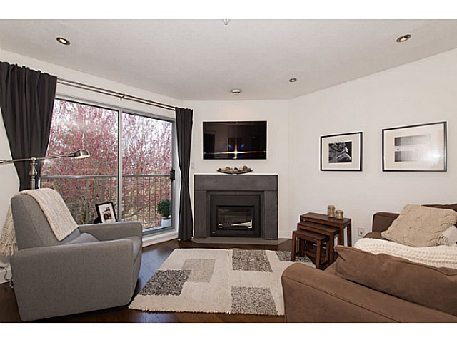 "Photo 3: 418 1820 W 3RD Avenue in Vancouver: Kitsilano Condo for sale in ""Monterey"" (Vancouver West)  : MLS(r) # V1057027"
