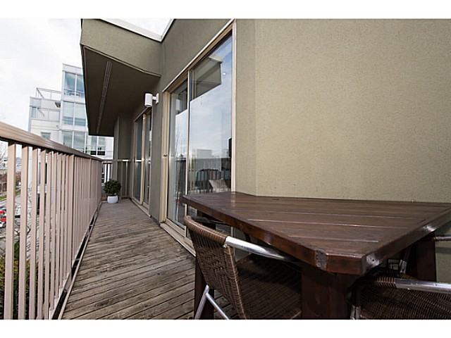 "Photo 13: 418 1820 W 3RD Avenue in Vancouver: Kitsilano Condo for sale in ""Monterey"" (Vancouver West)  : MLS(r) # V1057027"