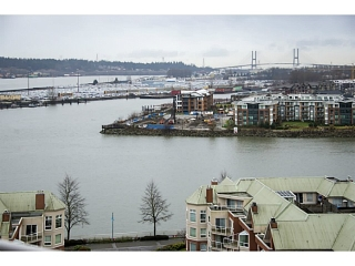 "Main Photo: 1602 1235 QUAYSIDE Drive in New Westminster: Quay Condo for sale in ""RIVIERA"" : MLS(r) # V1100923"