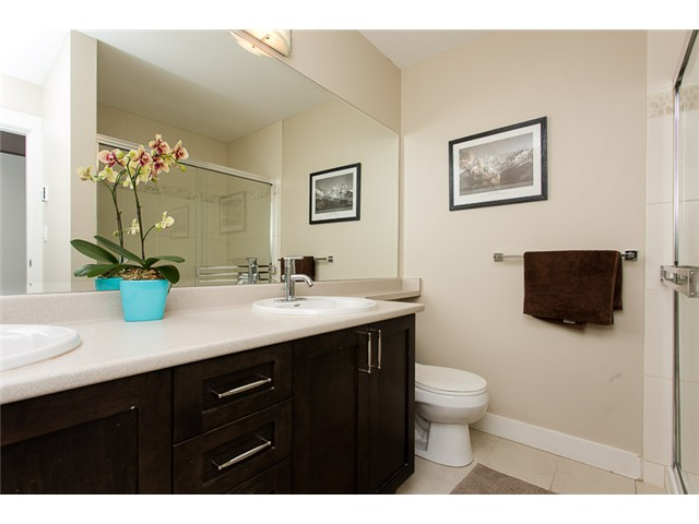 "Photo 12: 403 2368 MARPOLE Avenue in Port Coquitlam: Central Pt Coquitlam Condo for sale in ""RIVER ROCK LANDING"" : MLS(r) # V1101587"
