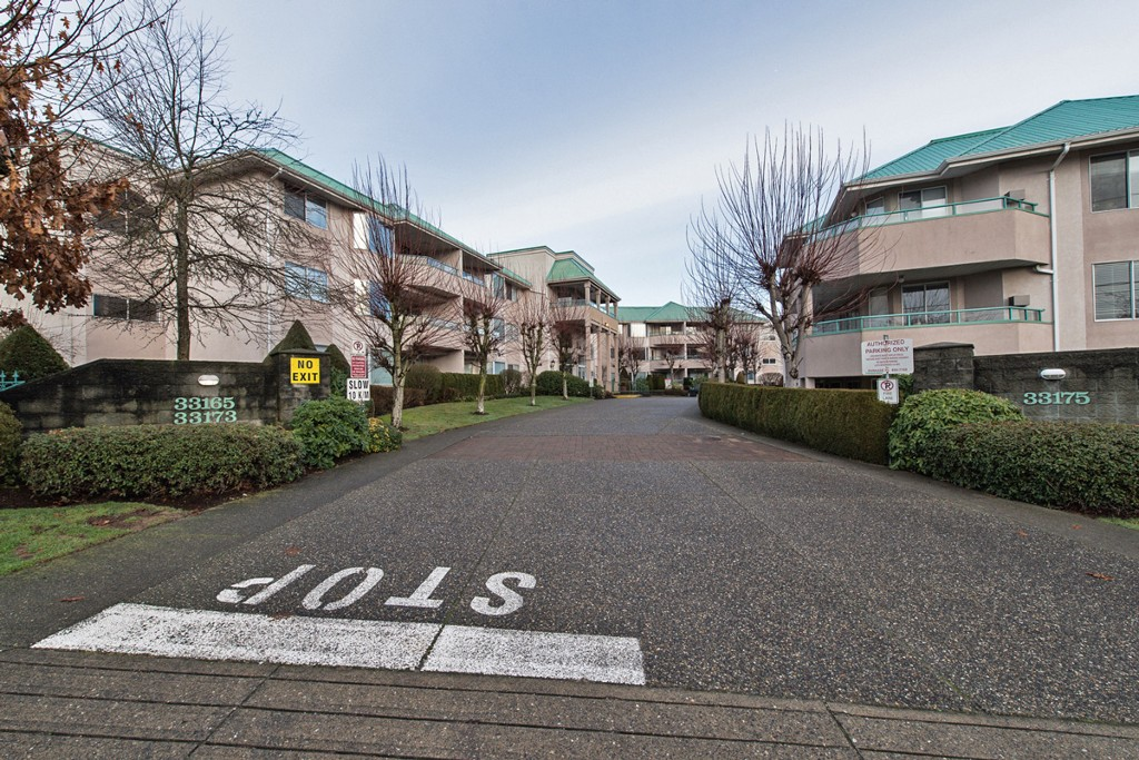 "Photo 4: 133 33173 OLD YALE Road in Abbotsford: Central Abbotsford Condo for sale in ""Sommerset Ridge"" : MLS® # F1431352"