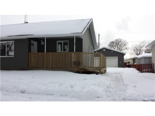 Main Photo: 4015 112 Avenue in Edmonton: Zone 23 House for sale : MLS(r) # E3402858