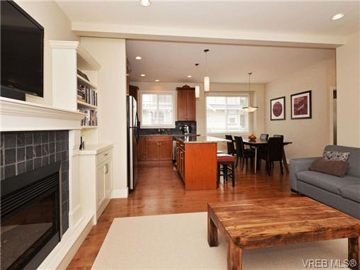 Photo 5: 4 1105 Esquimalt Road in VICTORIA: Es Saxe Point Townhouse for sale (Esquimalt)  : MLS® # 351697