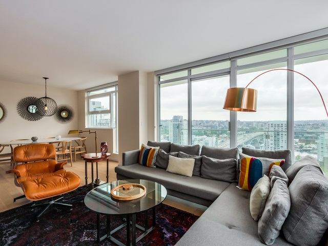 "Main Photo: 2008 1351 CONTINENTAL Street in Vancouver: Downtown VW Condo for sale in ""MADDOX DOWNTOWN"" (Vancouver West)  : MLS® # R2000387"