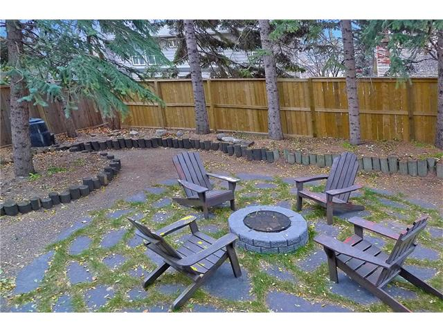 Photo 3: 128 PUMP HILL Green SW in Calgary: Pump Hill House for sale : MLS(r) # C4037555
