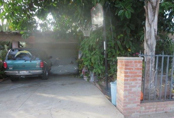 Main Photo: EAST SAN DIEGO House for sale : 2 bedrooms : 1882 Tulip St in San Diego
