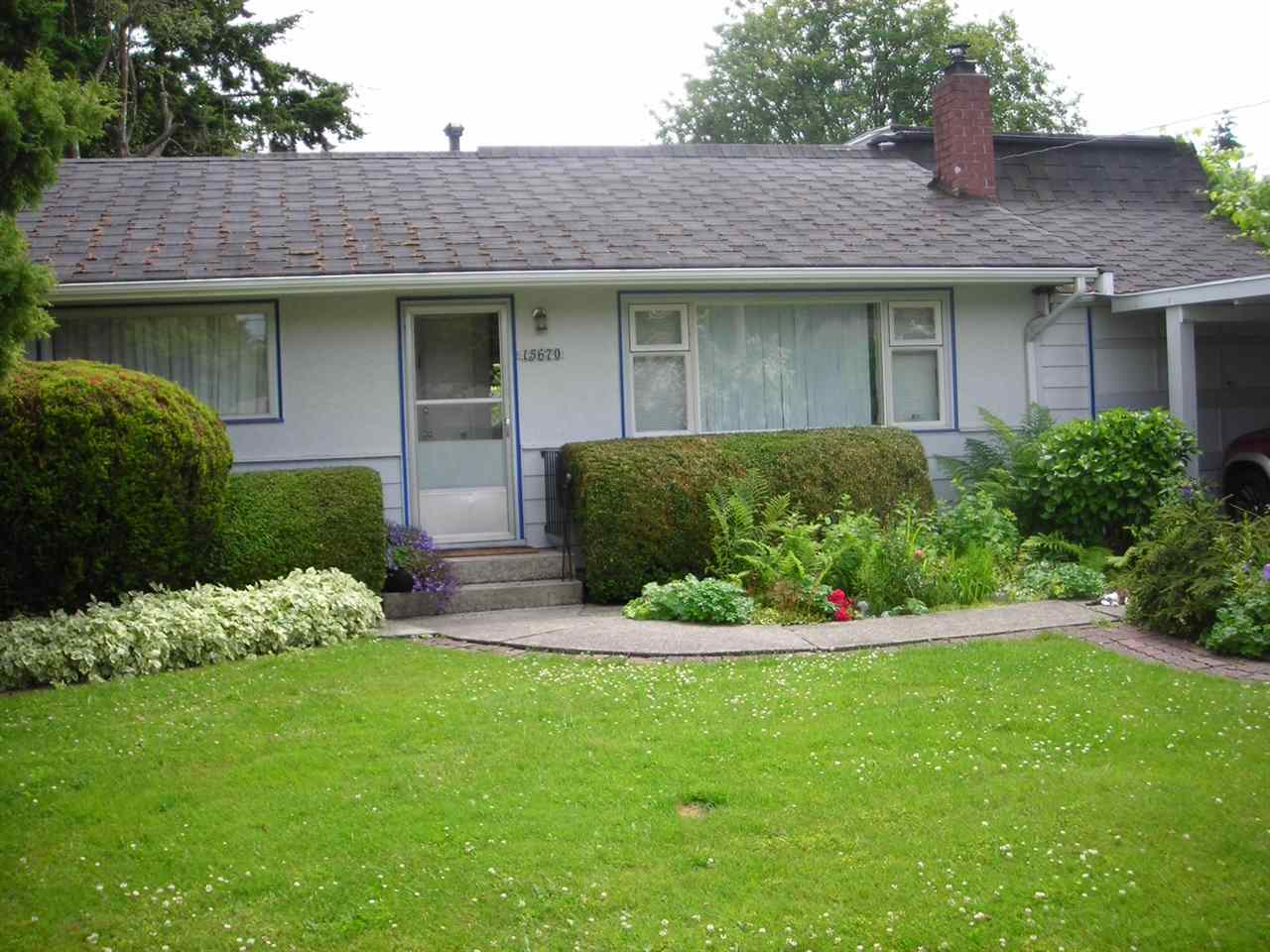 Main Photo: 15670 ROPER Avenue: White Rock House for sale (South Surrey White Rock)  : MLS(r) # R2039603