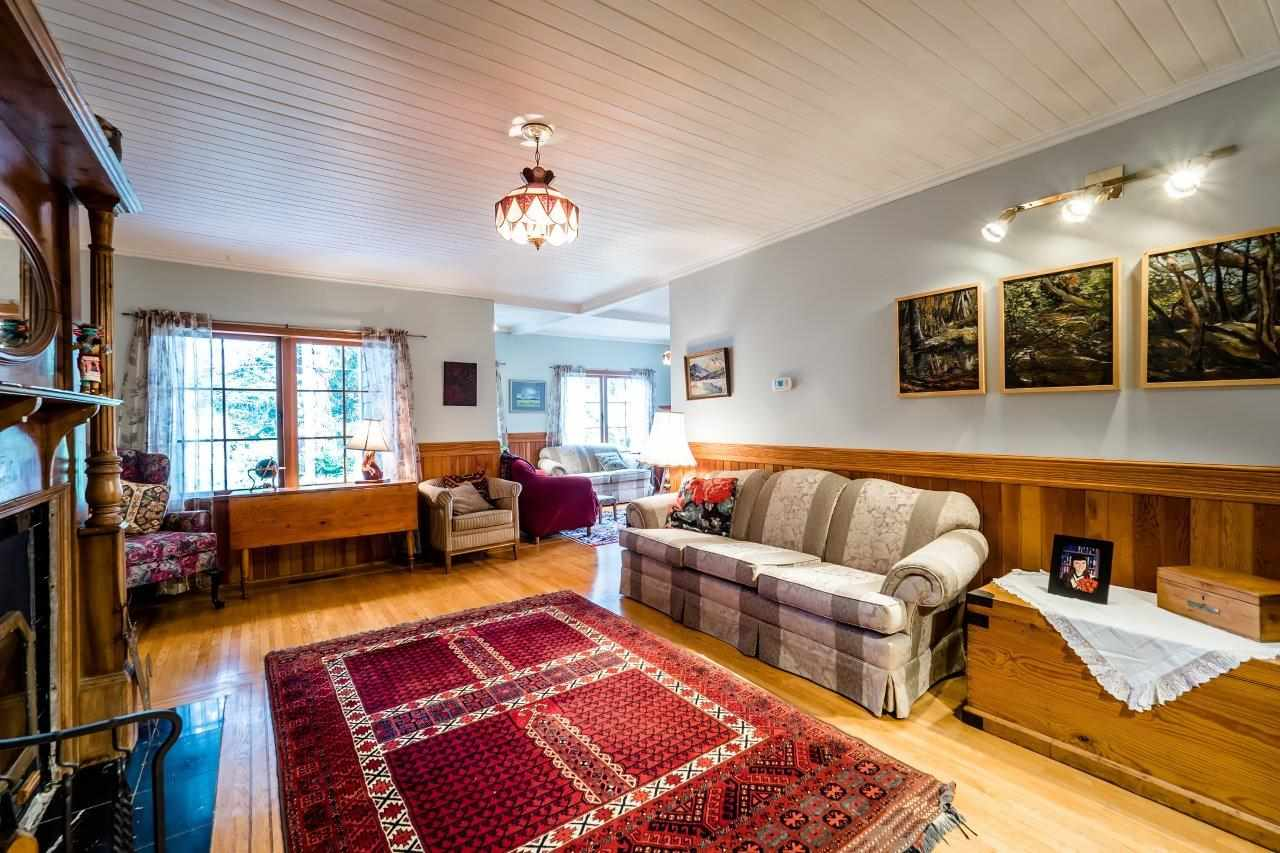 Photo 4: 4715 THE HIGHWAY in West Vancouver: Olde Caulfeild House for sale : MLS(r) # R2134934
