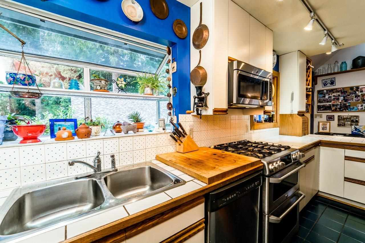 Photo 8: 4715 THE HIGHWAY in West Vancouver: Olde Caulfeild House for sale : MLS(r) # R2134934
