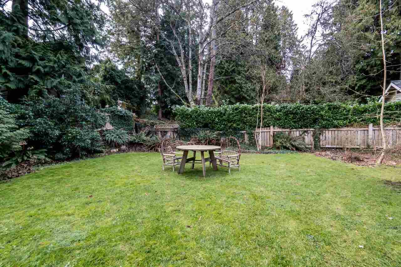 Photo 13: 4715 THE HIGHWAY in West Vancouver: Olde Caulfeild House for sale : MLS(r) # R2134934
