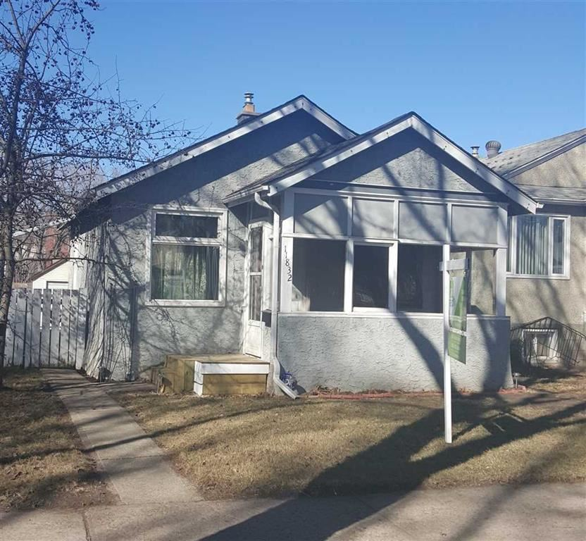 Main Photo: 11832 70 Street in Edmonton: Zone 06 House for sale : MLS(r) # E4049637