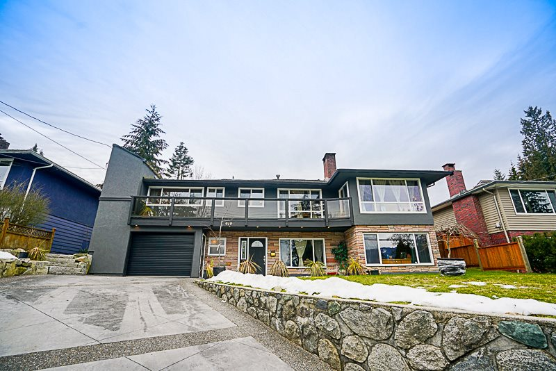 Main Photo: 919 N DOLLARTON Highway in North Vancouver: Dollarton House for sale : MLS(r) # R2136365