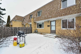 Main Photo: 198 LONDONDERRY Square in Edmonton: Zone 02 Townhouse for sale : MLS(r) # E4050044