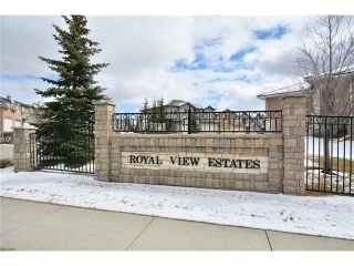 Main Photo: 193 ROYAL CREST View NW in Calgary: Royal Oak House for sale : MLS(r) # C4107990