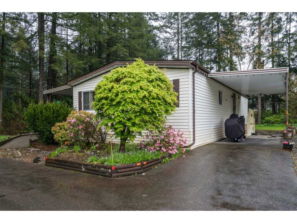 "Main Photo: 203 20071 24 Avenue in Langley: Brookswood Langley Manufactured Home for sale in ""Fernridge Park"" : MLS(r) # R2161731"