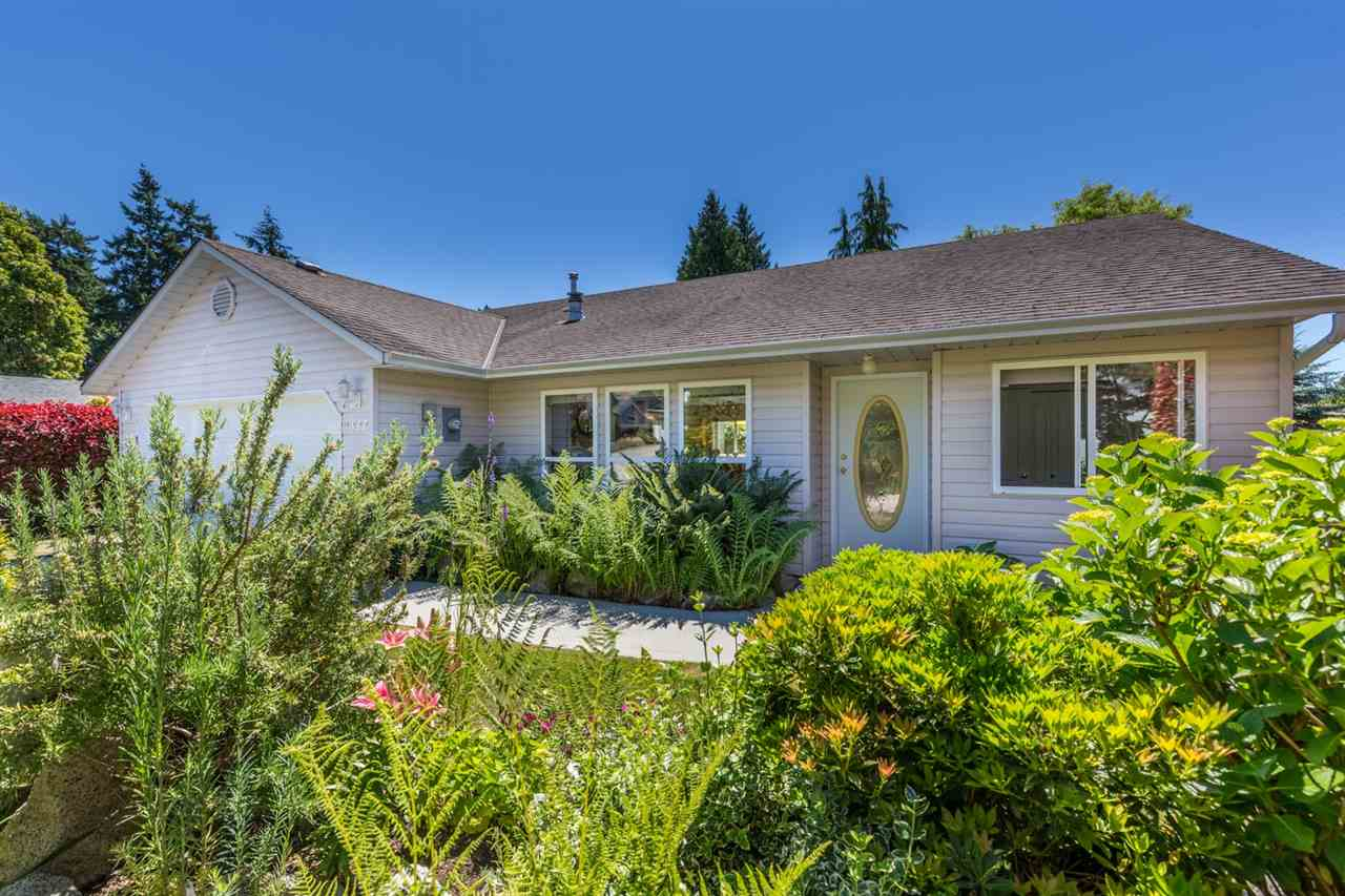 "Main Photo: 6317 JASPER Road in Sechelt: Sechelt District House for sale in ""WEST SECHELT"" (Sunshine Coast)  : MLS®# R2181767"