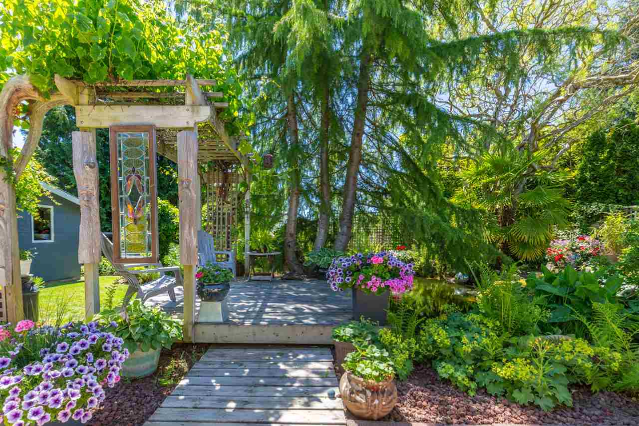"Photo 13: Photos: 6317 JASPER Road in Sechelt: Sechelt District House for sale in ""WEST SECHELT"" (Sunshine Coast)  : MLS® # R2181767"