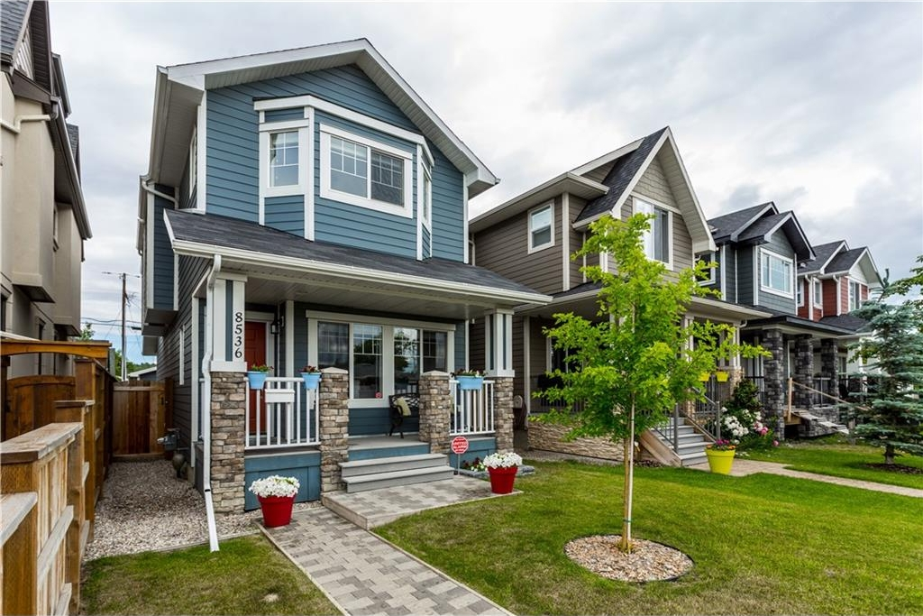 Main Photo: 8536 47 Avenue NW in Calgary: Bowness House for sale : MLS®# C4125447