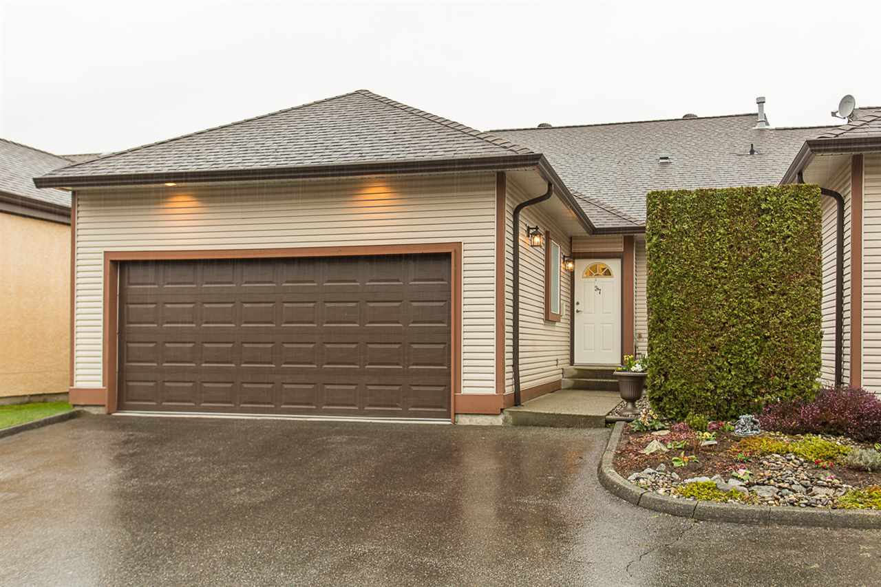 Main Photo: 37 23151 HANEY BYPASS in Maple Ridge: East Central Townhouse for sale : MLS®# R2150992