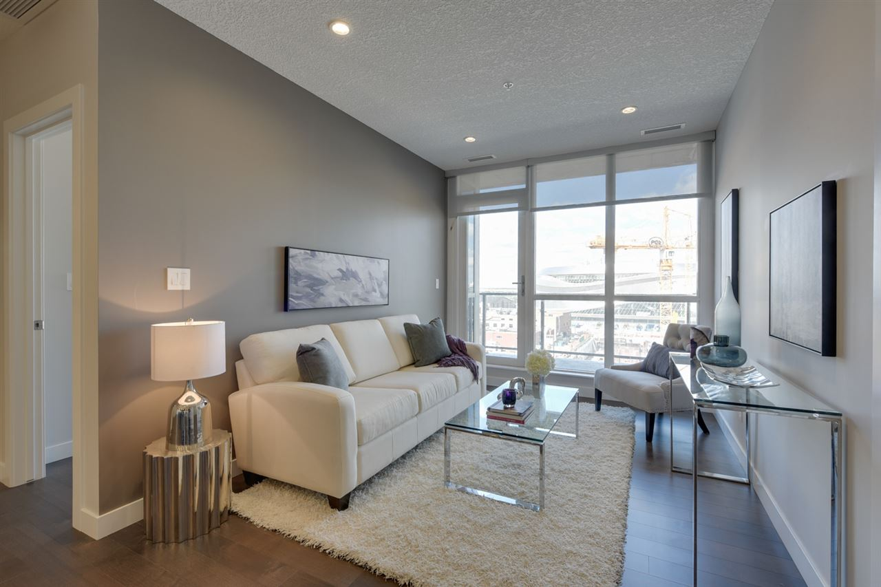 The unit is located on the 8th floor, 9 foot ceilings, large windows, hardwood flooring and a fantastic view