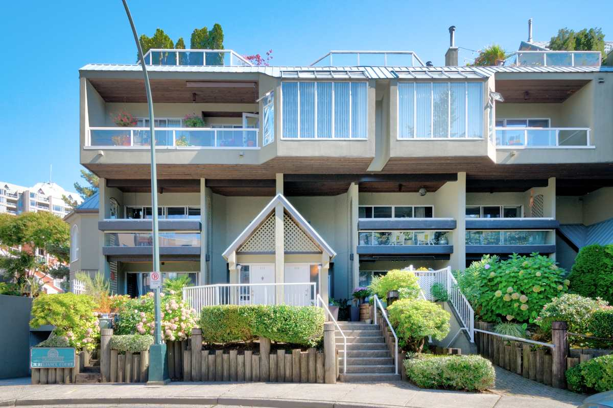 "Main Photo: 216 31 RELIANCE Court in New Westminster: Quay Condo for sale in ""QUAYWEST"" : MLS® # R2205038"