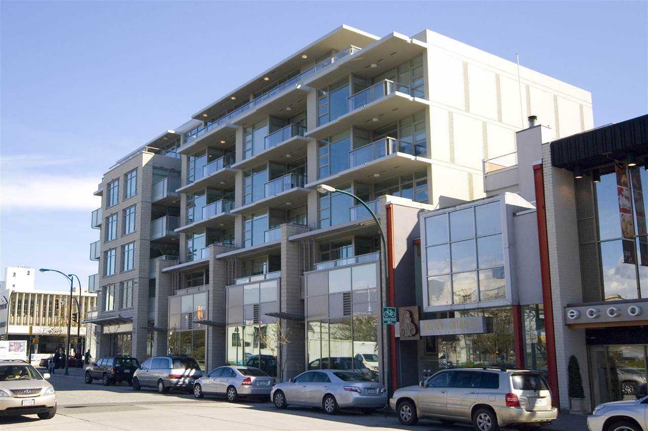 "Main Photo: 505 1808 W 1ST Avenue in Vancouver: Kitsilano Condo for sale in ""First on First"" (Vancouver West)  : MLS® # R2205454"