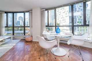 "Main Photo: 405 488 HELMCKEN Street in Vancouver: Yaletown Condo for sale in ""ROBINSON TOWER"" (Vancouver West)  : MLS® # R2217638"