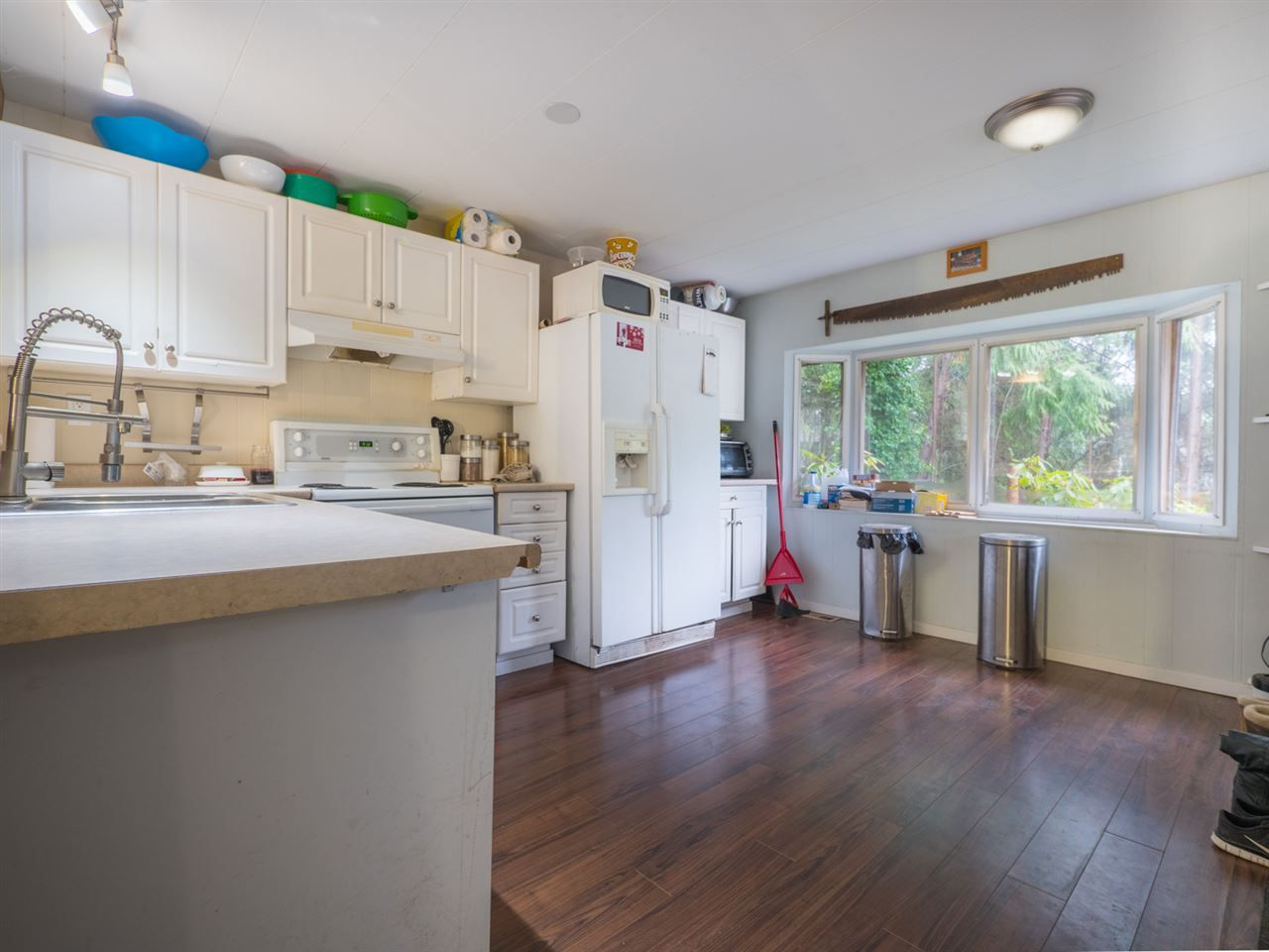 Photo 4: Photos: 5592 WAKEFIELD Road in Sechelt: Sechelt District Manufactured Home for sale (Sunshine Coast)  : MLS®# R2230720