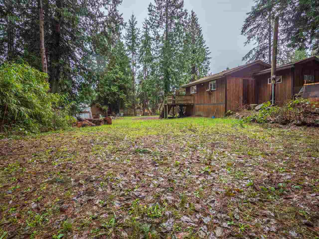 Photo 15: Photos: 5592 WAKEFIELD Road in Sechelt: Sechelt District Manufactured Home for sale (Sunshine Coast)  : MLS®# R2230720