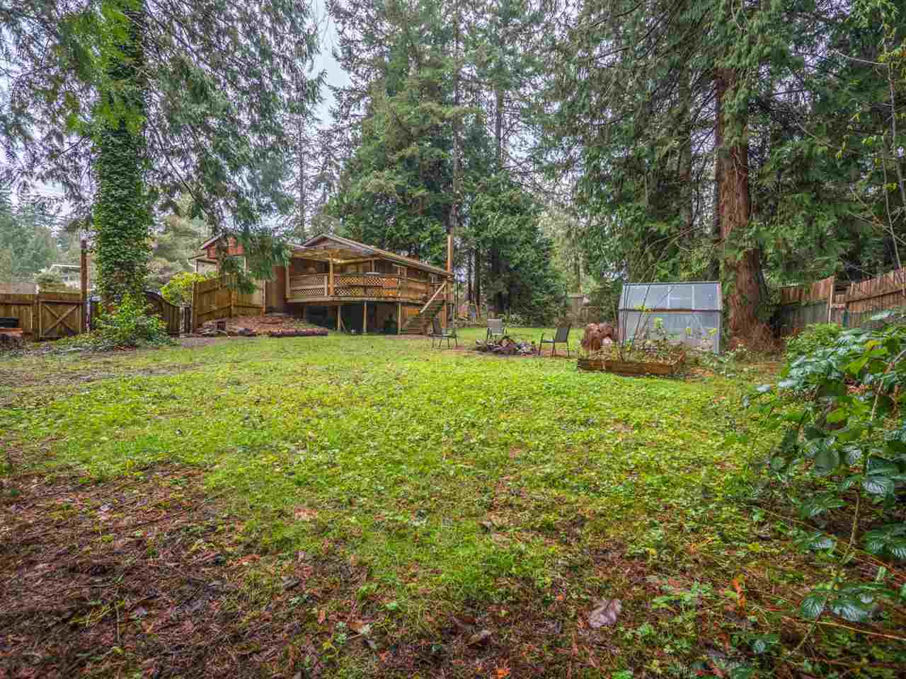 Photo 16: Photos: 5592 WAKEFIELD Road in Sechelt: Sechelt District Manufactured Home for sale (Sunshine Coast)  : MLS®# R2230720