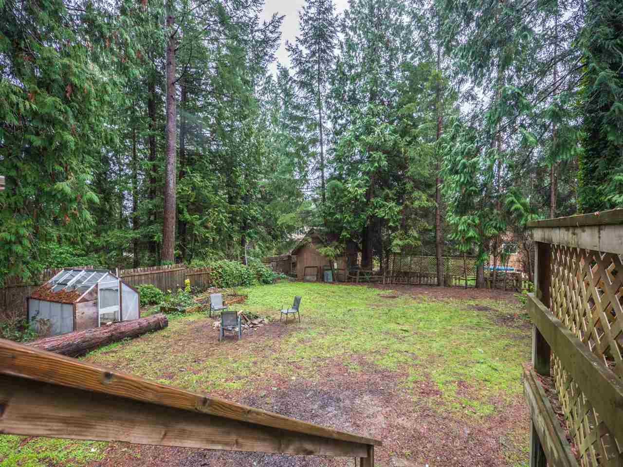 Photo 14: Photos: 5592 WAKEFIELD Road in Sechelt: Sechelt District Manufactured Home for sale (Sunshine Coast)  : MLS®# R2230720