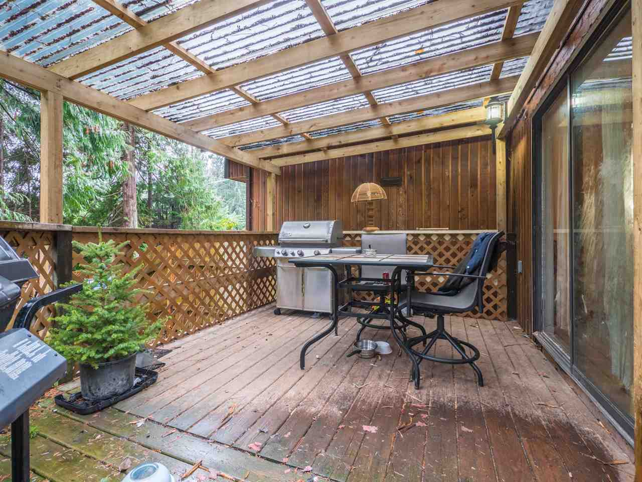 Photo 13: Photos: 5592 WAKEFIELD Road in Sechelt: Sechelt District Manufactured Home for sale (Sunshine Coast)  : MLS® # R2230720