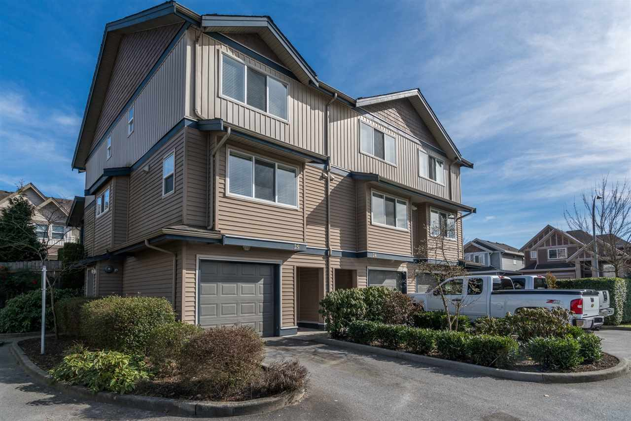 "Main Photo: 25 1268 RIVERSIDE Drive in Port Coquitlam: Riverwood Townhouse for sale in ""SOMERSTON LANE"" : MLS® # R2246983"