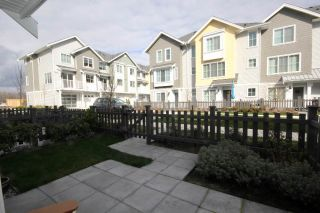 "Main Photo: 16 5550 ADMIRAL Way in Delta: Neilsen Grove Townhouse for sale in ""FAIRWINDS"" (Ladner)  : MLS® # R2248712"