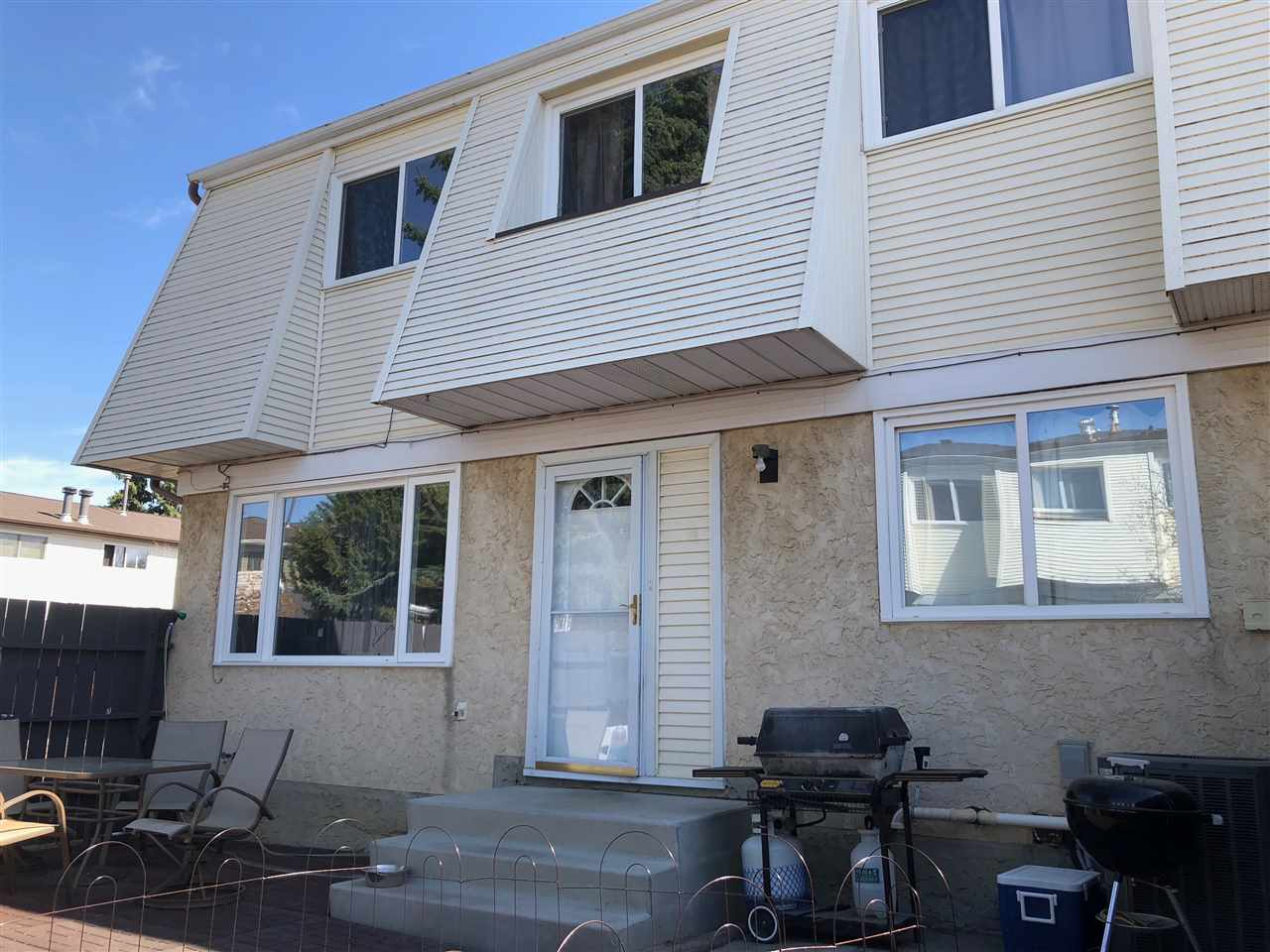 Main Photo: 30 650 Grandin Drive: Morinville Townhouse for sale : MLS®# E4103820