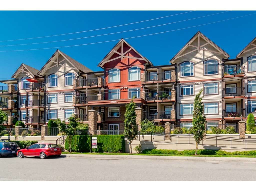 "Main Photo: 204 19939 55A Avenue in Langley: Langley City Condo for sale in ""Madison Crossing"" : MLS®# R2261484"