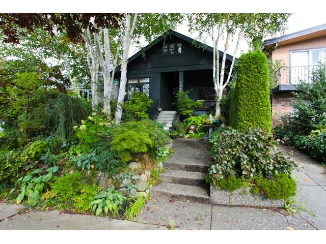 Main Photo: 3941 W 24TH AV in Vancouver: Dunbar House for sale (Vancouver West)  : MLS(r) # V1031242