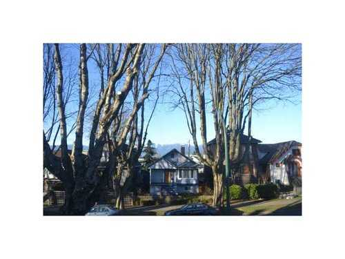 Photo 2: 526 10TH Ave E in Vancouver East: Mount Pleasant VE Home for sale ()  : MLS(r) # V872251