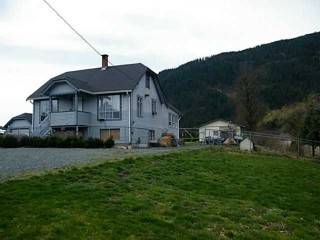Main Photo: 2351 BODNAR Road: Agassiz House for sale : MLS® # H1401056
