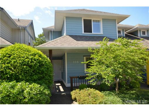 Main Photo: 108 951 Goldstream Avenue in VICTORIA: La Langford Proper Townhouse for sale (Langford)  : MLS® # 337788