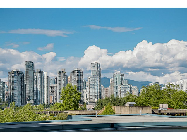 "Photo 14: 208 1365 W 4TH Avenue in Vancouver: False Creek Condo for sale in ""GRANVILLE ISLAND VILLAGE"" (Vancouver West)  : MLS(r) # V1072784"
