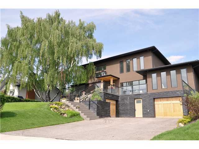 Main Photo: 31 HIGHWOOD Place NW in Calgary: Highwood Residential Detached Single Family for sale : MLS® # C3639703