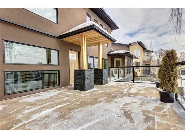 Photo 3: 31 HIGHWOOD Place NW in Calgary: Highwood Residential Detached Single Family for sale : MLS(r) # C3639703