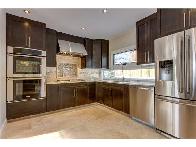 Photo 10: 31 HIGHWOOD Place NW in Calgary: Highwood Residential Detached Single Family for sale : MLS(r) # C3639703