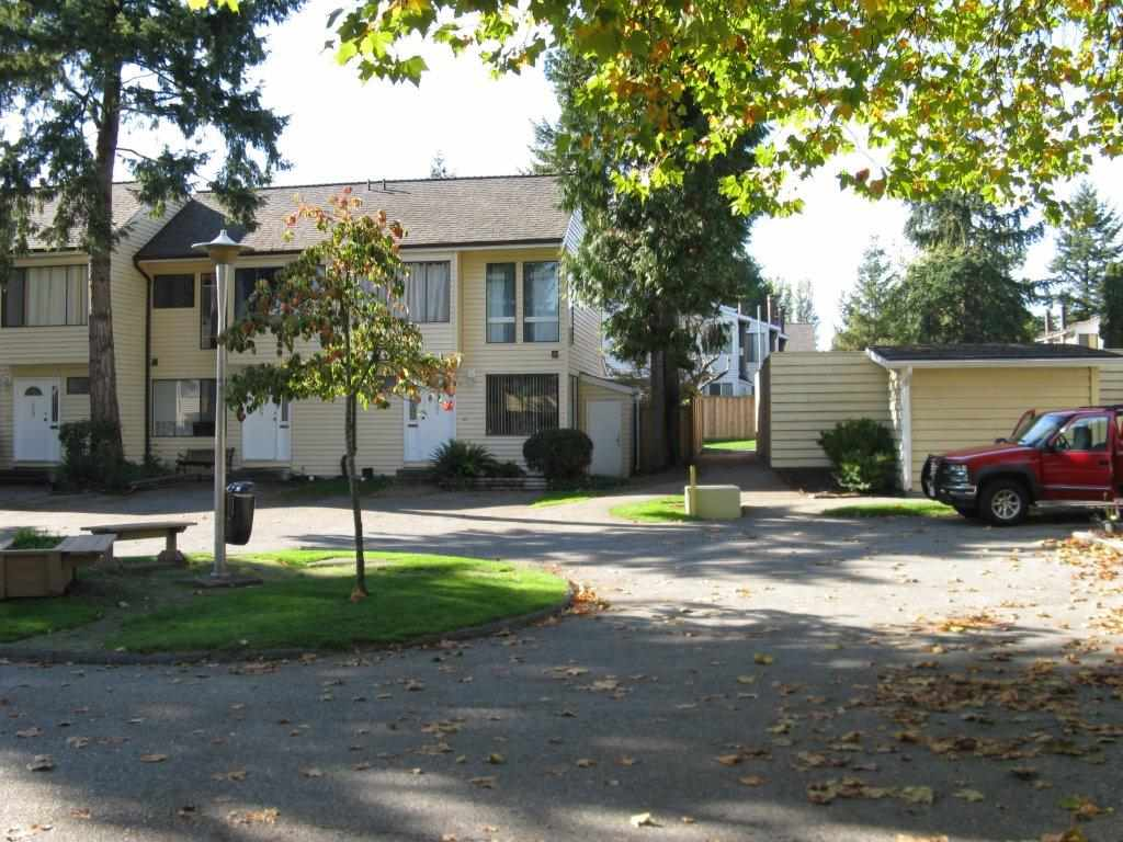 "Photo 2: 31 9358 128 Street in Surrey: Queen Mary Park Surrey Townhouse for sale in ""Surrey Meadows"" : MLS(r) # R2007748"