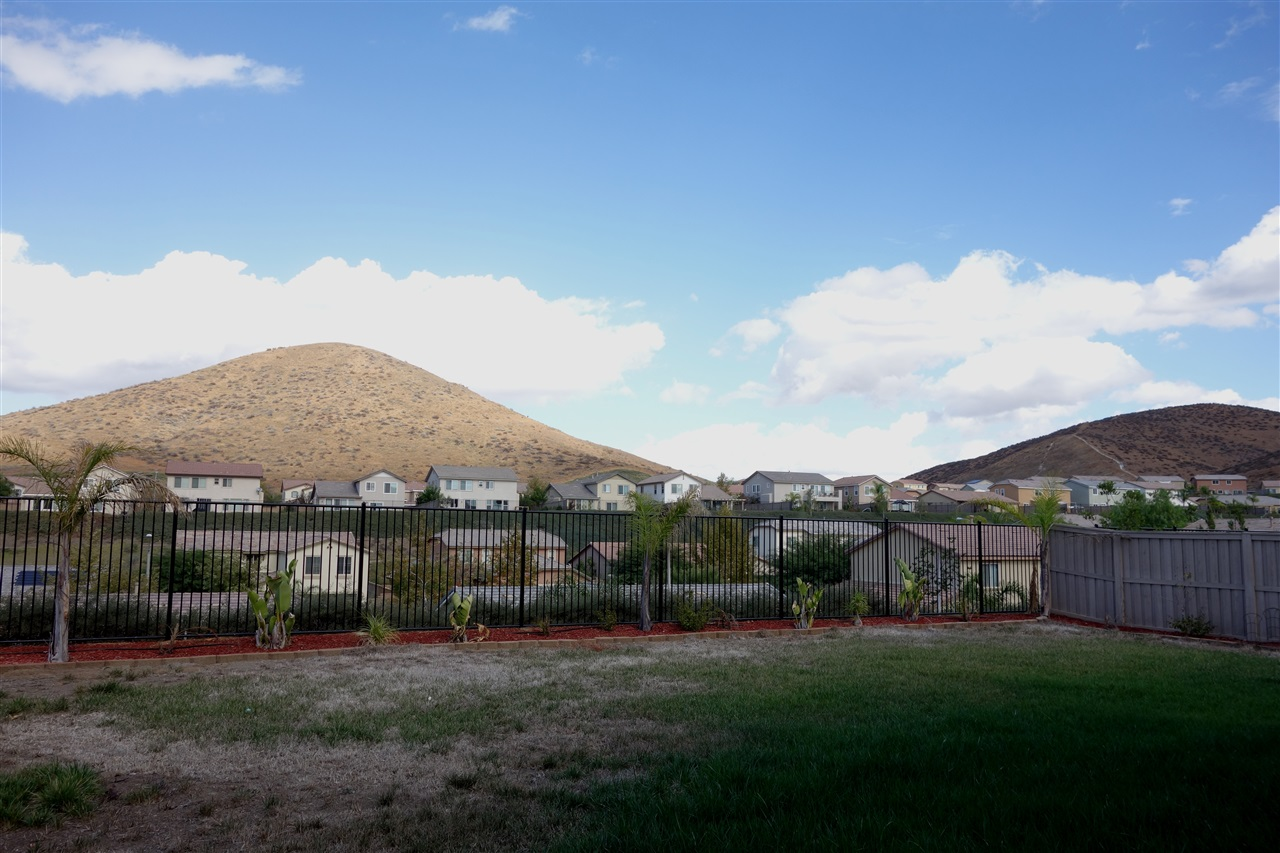 Photo 17: TEMECULA House for sale : 4 bedrooms : 34207 Sundew Ct in Lake Elsinore
