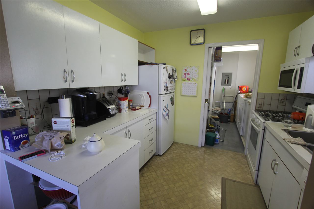Photo 2: 5815 JOYCE Street in Vancouver: Killarney VE House for sale (Vancouver East)  : MLS(r) # R2053251